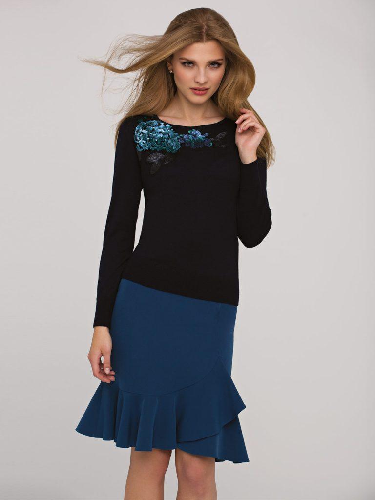Sweterek wstylu shiny zaplikacją zcekinów Potis&Vaerso