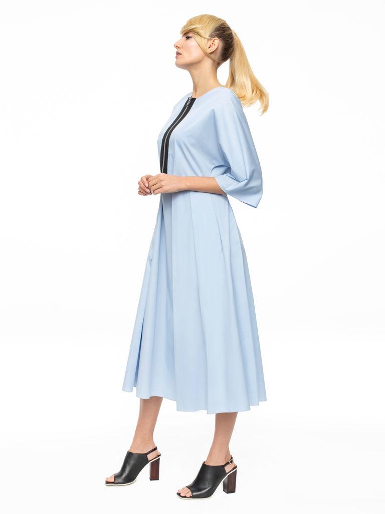 Błękitna sukienka zrozszerzanym dołem ak sport 6